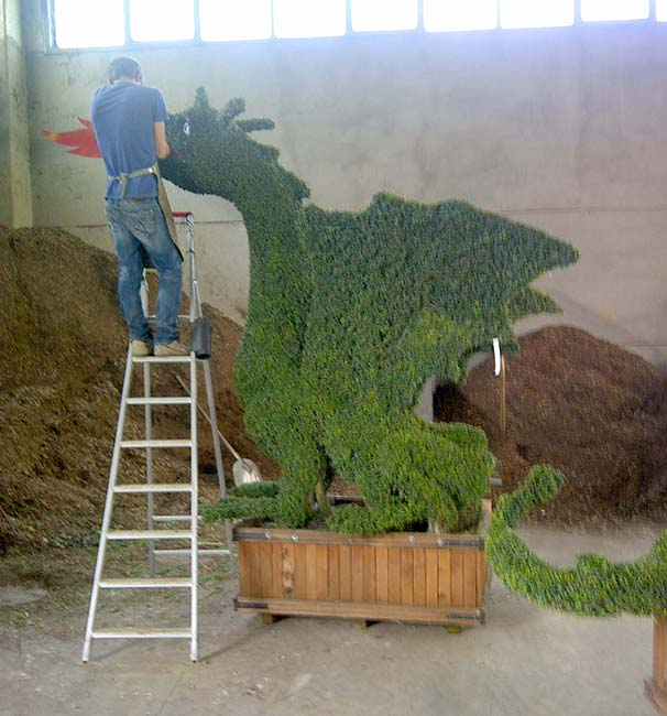 ps-Topiary-to-Suit-All-Tastes